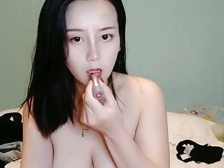 Pretty & Cute Chinese Cam Girl Sex & Masturbate