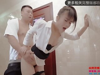 Chinese security guard fucks office lady