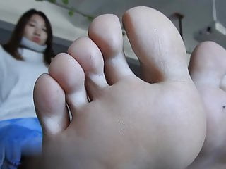 Big Chinese Feet