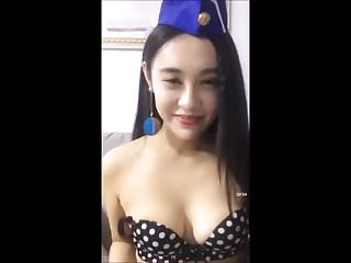Chinese girl flashing her boobs live