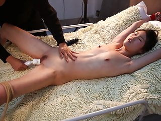 Maohuan 2 - Chinese Model Tied & Tortured